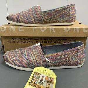 Classic TOMS blue aster multi slip on shoe NWT